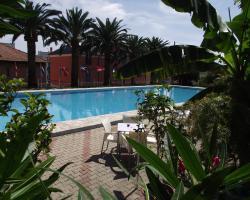 Riviera Suite Apartments