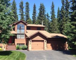 Redwood Meadows Bed and Breakfast