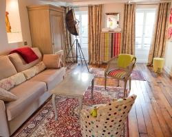 Luxurious apartment, near Louvre at the heart of Paris