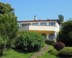 St.Nikola Holiday Home