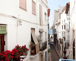 Sitges Apartments & Home Deco