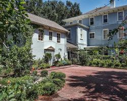 Garden Cottage Upper Level by Vacation Rental Pros