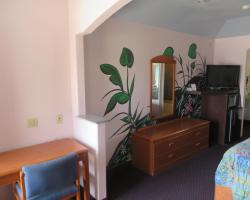 Travelers Inn and Suites Liberty