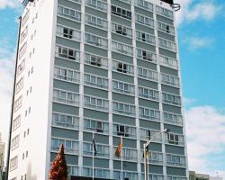 Bay Plaza Hotel