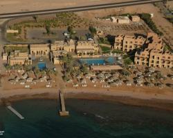 Coral Bay Hotel