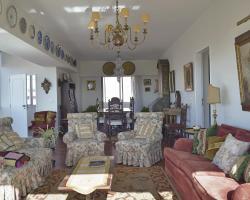 Feels Like Home - Royal Apartment