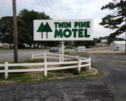 Twin Pine Motel