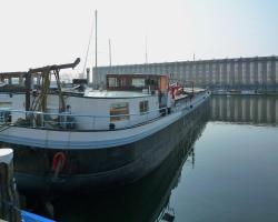 A249 Borneokade I - B&B on a Houseboat