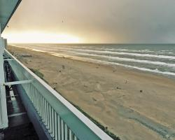 Lionsdune Beach