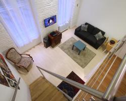 d.FIVE Fashionable Central Apartment