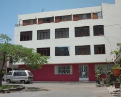 Hostal Victor - Lima Airport Hostel