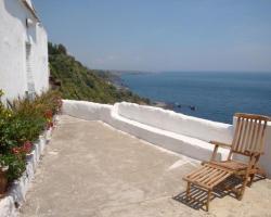 Come In Sicily La Pietra Monaca