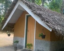 Pinnawala Hotel Cabana Village