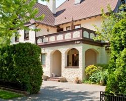 Bacon Mansion Bed and Breakfast