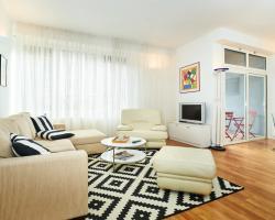 Eurekaaa Apartment