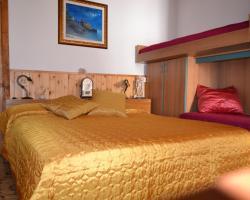 Amalfi Coast Room