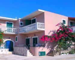 Apartments Tomi Sućuraj