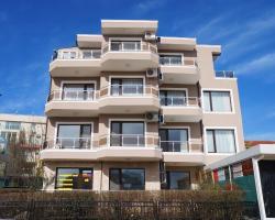 Dom-El Real Apartments in Deja Vu Complex