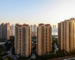 City Life Service Apartment-Skyline Manison