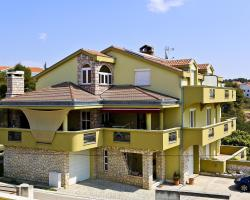 Apartments Mirjana