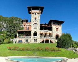 Castello Sul Lago Due