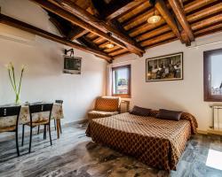 Venice Apartments