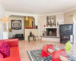 Three Bedroom Villa in Bel Air with Views
