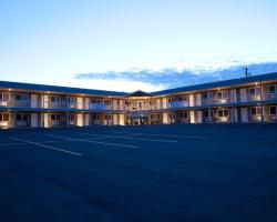 Shoreside Inn & Suites