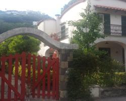 Villa L'Innominata B&B and Holiday Home