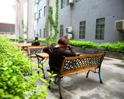 Hangzhou Aili Apartments