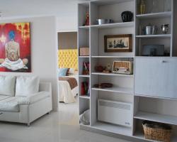 Petit Bijoux - Artist Apartment