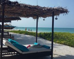 Bliss Beach Lodge