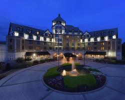 Hotel Roanoke & Conference Center, Curio Collection by Hilton