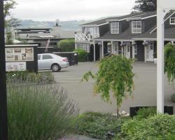 Cottage Mews Motel