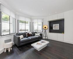 Contemporary Apartment Holland Park
