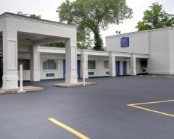 Motel 6 Richfield OH