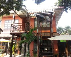 Sirikamsan House