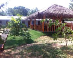D Sun Shine Bungalow and Restaurant