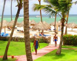 Los Corales Beach Villas