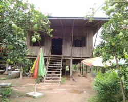 Bun Ban Homestay at Trong Island