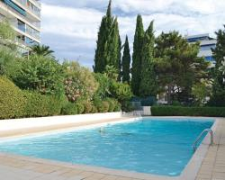 Apartment Cannes with Outdoor Swimming Pool 372