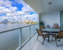 Sunny Isles 2 Bedrooms apartment by MiaVac