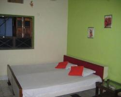 Vista Rooms At Pushpa Guest House