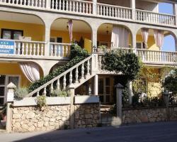 Apartments Tomić