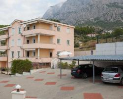 Apartments Damjanovic