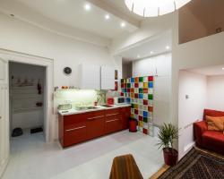 Rainbow Pearl Apartment