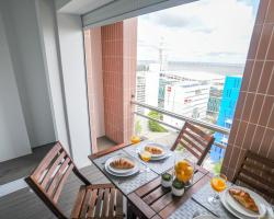 Top Duplex Apartment - 4 Bedrooms & Garage