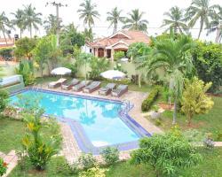 Solomon Beach Hotel