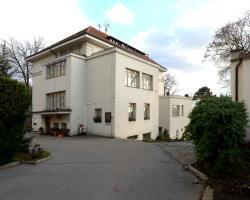Hotel Jana / Pension Domov Mládeže