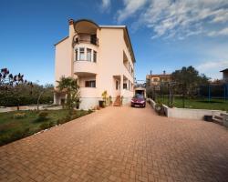 Apartment Duketis